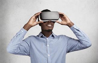 Oculus Rift vs Microsoft HoloLens